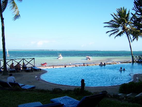 Voyager Beach Resort S Pool