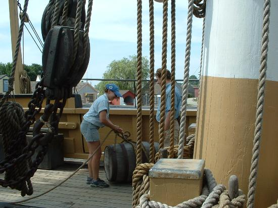 Cargo Demonstration at Mystic Seaport