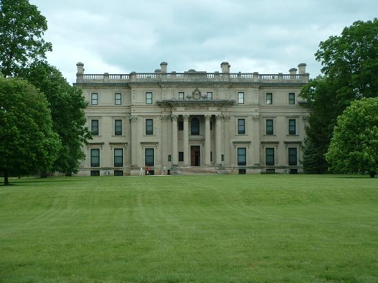 Vanderbilt Mansion National Historic Site : The Vanderbilt Mansion