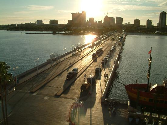 St. Petersburg, Floryda: Downtown St.Pete,from the top of the pier