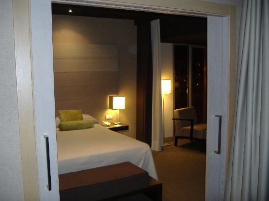 NH Collection Ria de Bilbao : Bedroom