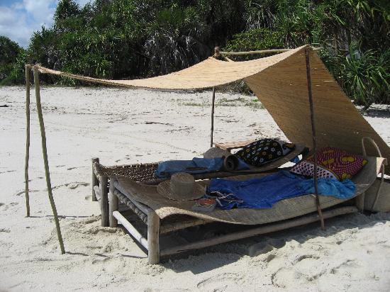 Kutani, Tanzania: Comfortable rustic sunbed!