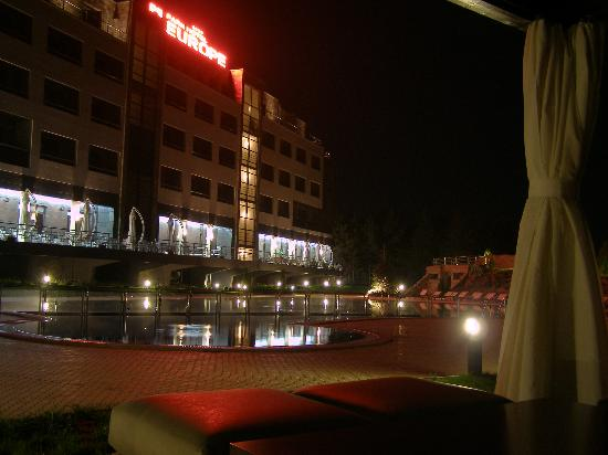 Park Hotel Europe: a photo of the hotel outdoor swimming pool by night