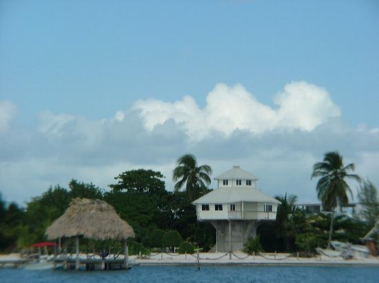 Cayes du Belize, Belize : house along the Cayes