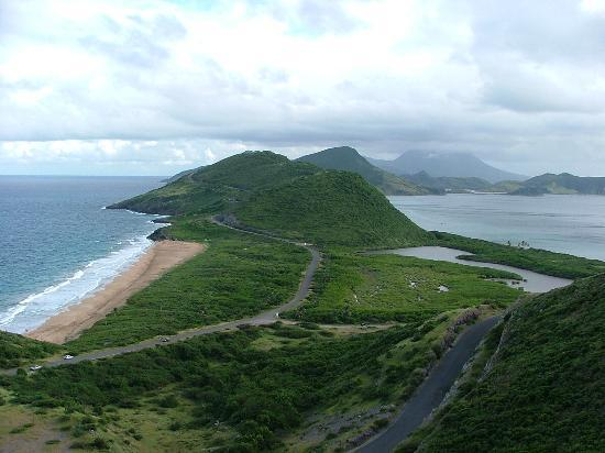 Saint Kitts: lush setting! On the road to Turtle Beach