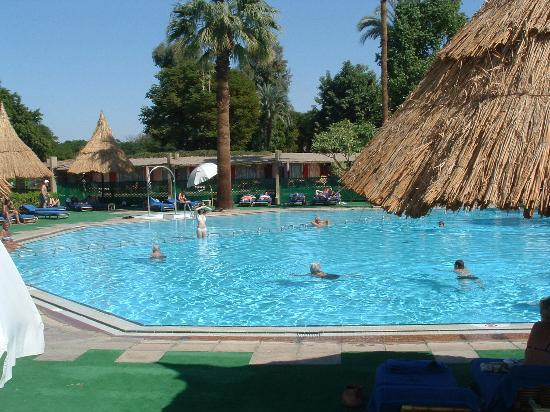 Jolie Ville Hotel & Spa - Kings Island, Luxor : Adults-only pool - with plenty of sunbeds
