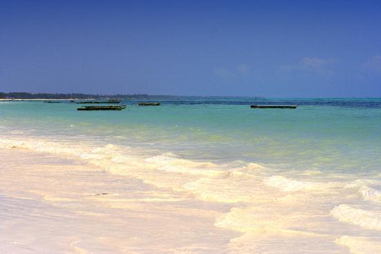 Zanzibar, Tanzania: beach