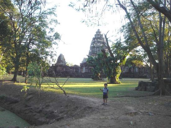 phimai thailand - Picture of Prasat Hin Phimai (Phimai Historical Park), Nakh...