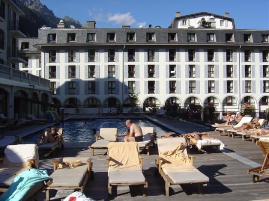 Club Med Chamonix Mont-Blanc: la plage de la piscine