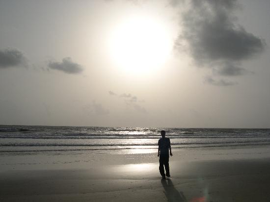 Taj Exotica Resort & Spa Goa: Nice beach?