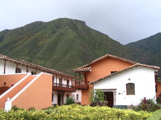 Sonesta Posadas del Inca Yucay: Mountains in the backgound