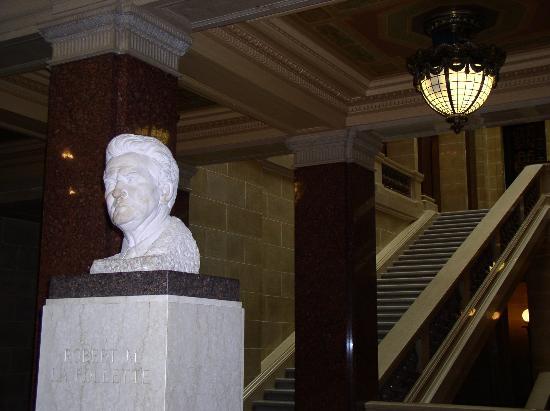 Madison, WI: statue