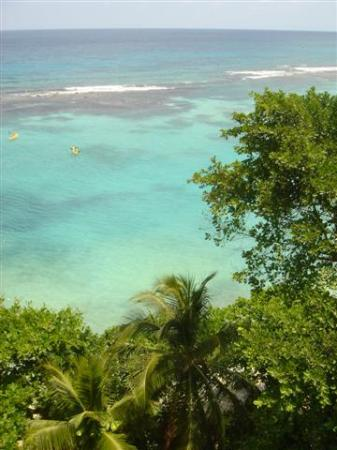Turquise waters of Ocho Rios, Jamaica
