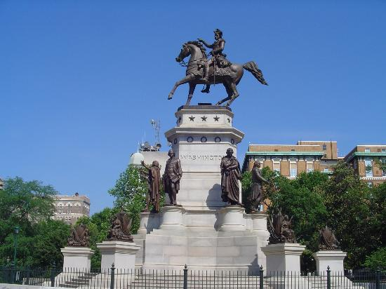 Richmond, VA: Status of George Washington on capitol grounds