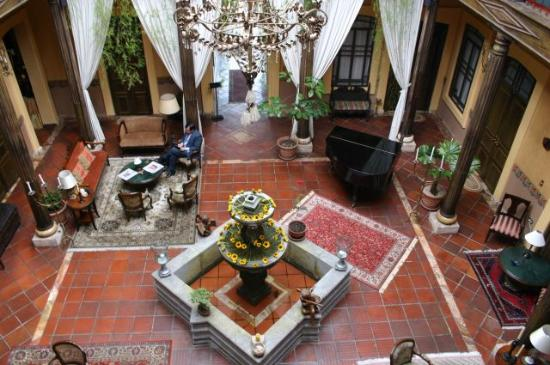 Mansion Alcazar Boutique Hotel: Quadrangle/Lounge