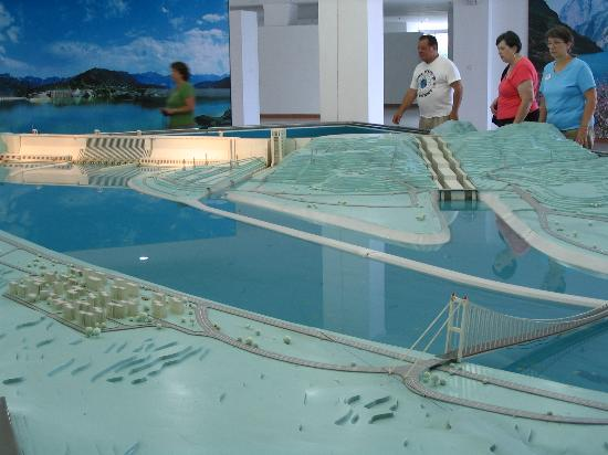 Yichang, China: Dam model in Exhibition Center