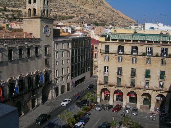 Eurostars Mediterranea Plaza Alicante: View from our Patio to the mountain