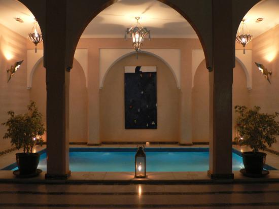 Riad Dar Anika : Pool at night