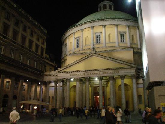 Michelangelo Hotel: Sunday Gathering - Near Duomo