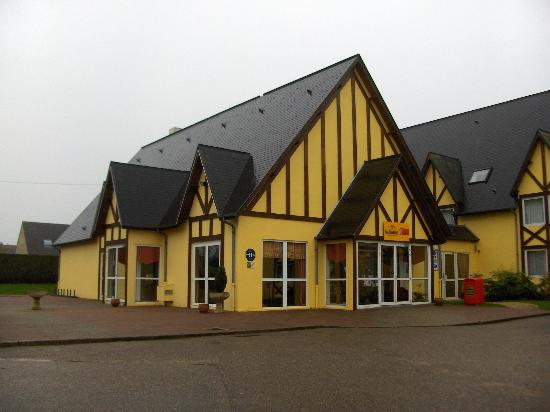 Hotel balladins Beauvais: Front entrance