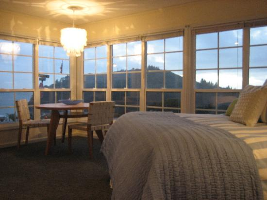 Trinidad Bay Bed & Breakfast Hotel: view from the room