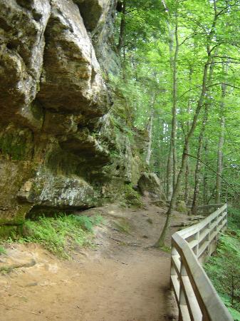 Pictured Rocks National Lakeshore: Part of trail to Munising Falls