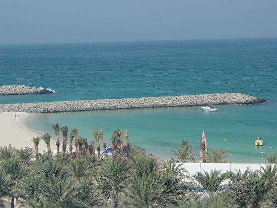 Dubái, Emiratos Árabes Unidos: Beach view from Sheraton hotel balcony