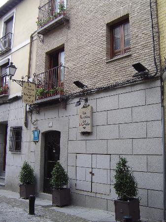 The exterior of La Posada de Manolo