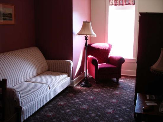 Hotel Selkirk: Our Corner Room