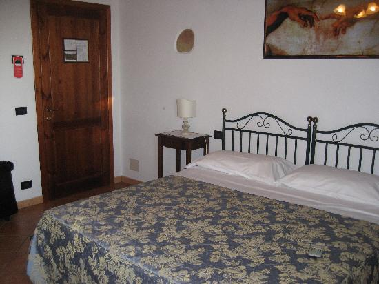 Hotel Vecchio Asilo : Good size room