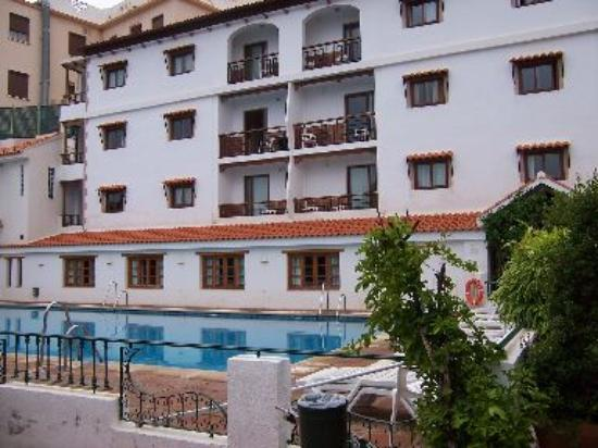 Alcadima Hotel: The better rooms - main block