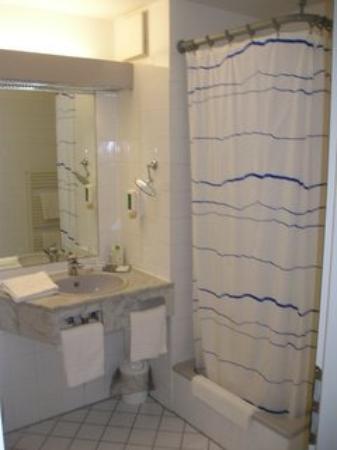 Balladins Superior Hotel Residence: Bathroom