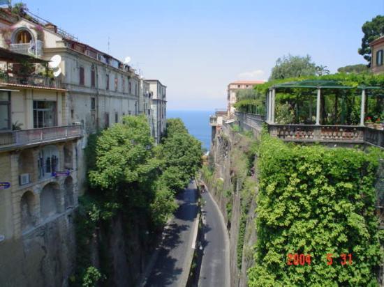 Sorrento, Olaszország: Piazza Tazzo