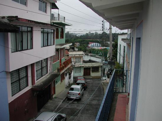 Posada Del Cafeto: View of the street from the room