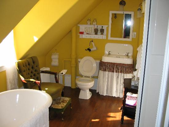 Heritage Hideaway Bed and Breakfast : Bathroom
