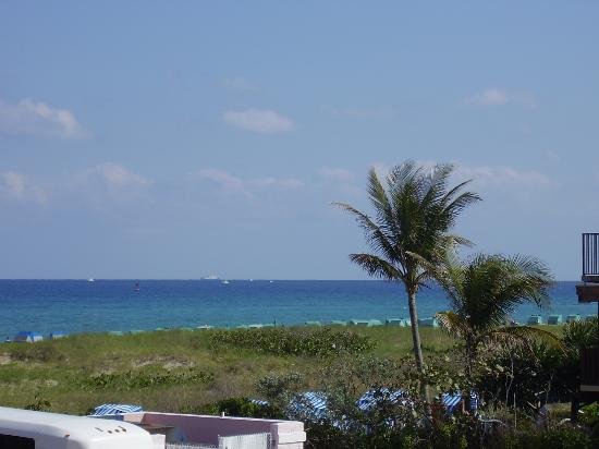 Palm Beach Shores Resort and Vacation Villas : vue de notre chambre