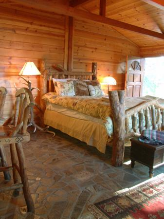 Rolling Thunder Ranch : Buffalo Cottage