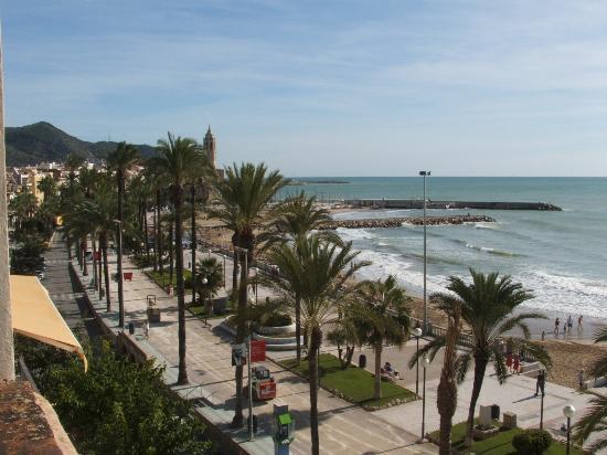 Hotel La Santa Maria: view of beachfront from balcony