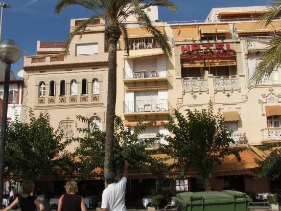 Hotel La Santa Maria: hotel front