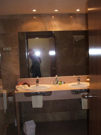 Hotel La Santa Maria: bathroom