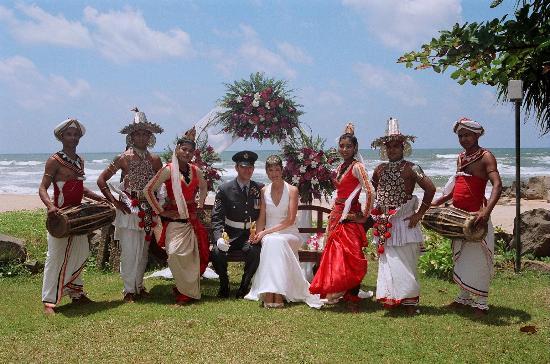 Vivanta by Taj - Bentota : Dancers & Drummers