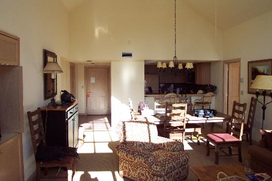 St. James Place: Living Area