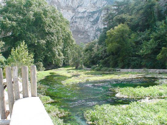 Fontaine de Vaucluse, فرنسا: River Sorgue