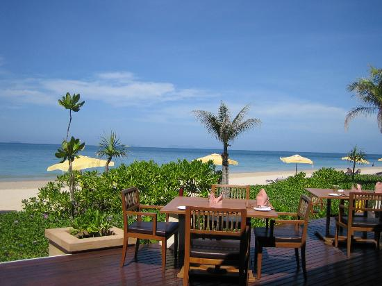 Layana Resort and Spa: Tides Restaurant