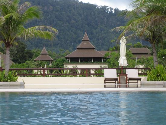 Layana Resort and Spa: Pool - Mountain View