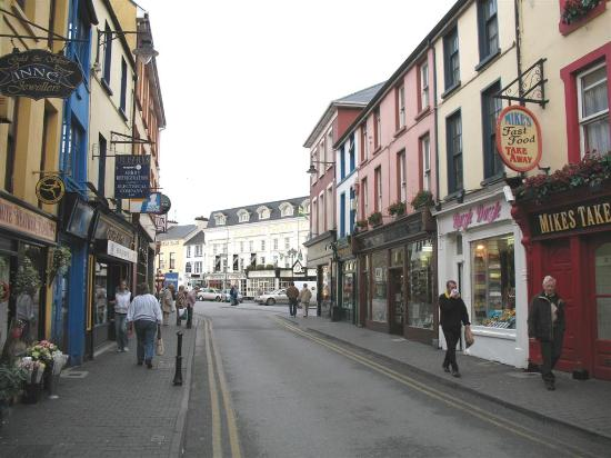Killarney Towers Hotel & Leisure Centre: So near to the town