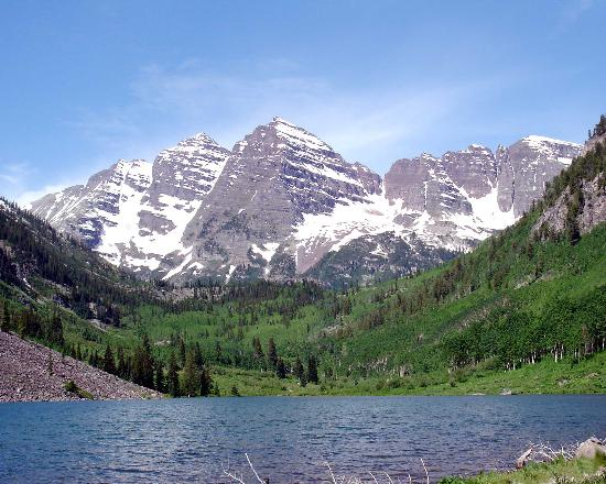 ‪آسبن, ‪Colorado‬: Maroon Bells in June‬