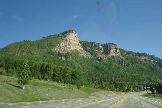 Silverton, Kolorado: Cliffs along Million Dollar Highway