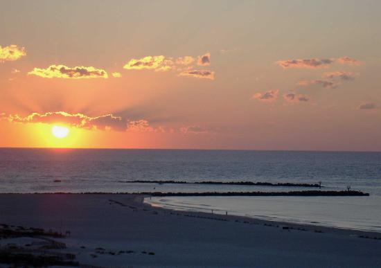 "Radiant ""eye"" sunrise over Orange Beach"