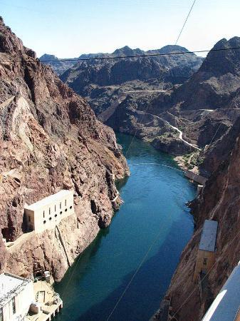 Hoover Dam north